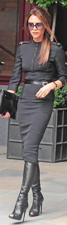 Victoria Beckham in skinny waist belt
