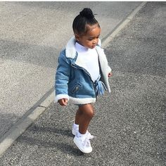 """""""#cutenessoverload 💙"""" Little Kid Fashion, Cute Little Girls Outfits, Cute Kids Fashion, Baby Outfits, Toddler Girl Outfits, Baby Girl Fashion, Toddler Fashion, Babies Fashion, Child Fashion"""