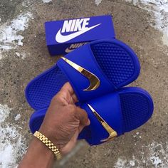 Nike Fashion Trendy Slippers - Memes Tutorial and Ideas Nike Slides, Cute Sneakers, Sneakers Mode, Nike Fashion, Sneakers Fashion, Jordan Shoes Girls, Nike Air Shoes, Aesthetic Shoes, Lit Shoes
