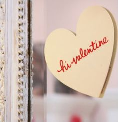 Leave a post-it on the bathroom mirror for your sweetheart via Faire Frou Frou ♥