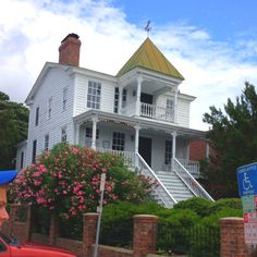 House in Beaufort, NC. Love this house, I always get an eerie feeling when I walk by it.