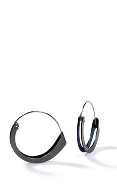 Phoebe Porter | Folded Earrings Contemporary Jewellery, Modern Jewelry, Jewelry Art, Jewelry Design, Fashion Jewelry, Silver Earrings, Silver Jewelry, Hoop Earrings, Unusual Jewelry