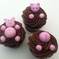 mini fondant pigs/edible pigs/fondant edible pigs/cupcake toppers/cake toppers/swimming pigs/nutella/chocolate mud/ swimming in chocolate