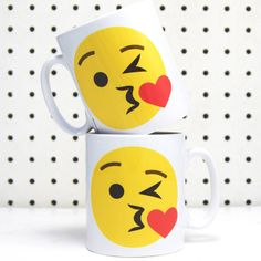 Of Life & Lemons Emoji Kiss Mug ($17) ❤ liked on Polyvore featuring home, kitchen & dining, drinkware, other and emoji mug