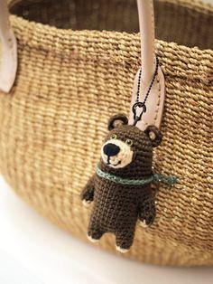 アメリカグマ:キーホルダー|その他素材|sawagurumi|ハンドメイド通販・販売のCreema Crochet Baby Booties Tutorial, Crochet Keychain Pattern, Crochet Patterns Amigurumi, Crochet Dolls, Crochet Bear, Crochet Gifts, Diy Crochet, Handmade Soft Toys, Crochet Accessories