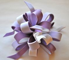 Cake Fixation: How to Make a Multi Colored Loopy Bow