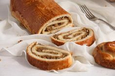 Beigli – a traditional Hungarian pastry roll filled with walnuts, a real treat for Christmas! Hungarian Cuisine, Hungarian Recipes, Nut Roll Recipe, Hungarian Cookies, Egg Yolk Recipes, Diet Recipes, Cooking Recipes, National Dish, Cookie Desserts