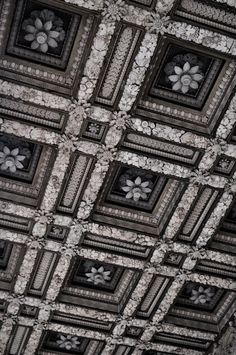 unbelievable carved ceiling!