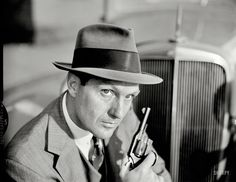 Robert Stack in his role as: Eliot Ness on the television program: 'The Untouchables.' Photo by: Earl Theisen for the 'Look magazine' article: 'How The Untouchables Hypoed TV's Crime Wave. Great Tv Shows, Old Tv Shows, Spock, Classic Tv, Classic Movies, Vintage Tv, Vintage Photos, Detective, Eliot Ness