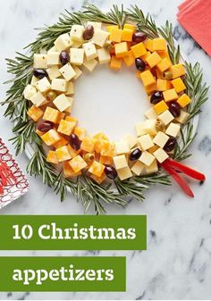 10 Christmas Appetizers — Planning the Christmas dinner menu? Start the festivities deliciously with a great selection of tasty Christmas appetizers. A Christmas cheese wreath! Christmas Party Food, Xmas Food, Christmas Brunch, Christmas Cooking, Christmas Goodies, Christmas Holidays, Christmas Cheese, Christmas Apps, Christmas Menu Ideas