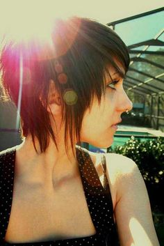 31 Awesome Short Emo Hairstyles for Girls - Cool