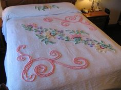 "VINTAGE COLORFUL FULL SIZE CHENILLE BEDSPREAD PASTEL FLOWERS 87""X100"" 