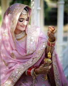 Baby Pink Punjabi Wedding Suit with pink gold lehenga dupatta. Bridal Suits Punjabi, Punjabi Bride, Pakistani Bridal Dresses, Modest Wedding Dresses, Indian Dresses, Sikh Wedding Dress, Indian Clothes, Wedding Gowns, Formal Dresses