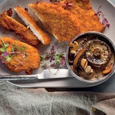 Chicken+schnitzel+with+mushroom+sauce