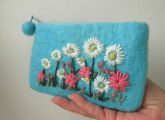 turquoise felted and embroidered purse, felt flower bag, daisy coin purse £16.00
