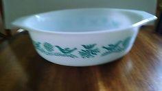 Pyrex Vintage RARE Turquoise Bluebird 1 1/2 qt Casserole Dish 1959-1961