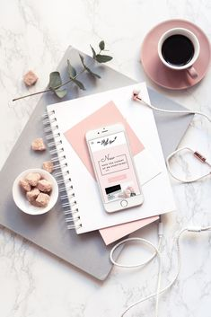 This flatlay is perfect! Fall Inspiration, Flat Lay Inspiration, Photoshoot Inspiration, Organize Your Life, Book Photography, Laptop Photography, Lifestyle Photography, Photography Business, Flat Lay Photography Instagram
