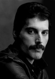 Freddie Mercury 05.09.1946 - 24.11.1991