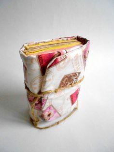 Briefmarken Journal, Rosa Journal, Altpapier, Tagebuch Handmade, Rosa Kunstzeitschriften, personalisierte Journal, Reisebericht auf Etsy, 14,92€