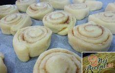 Měkoučké medové šneky | NejRecept.cz Muffins, Food And Drink, Sweets, Cookies, Drinks, Breakfast, Anna, Basket, Author
