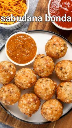 Sabudana Recipes, Puri Recipes, Spicy Recipes, Cooking Recipes, Snacks Recipes, Fudge Recipes, Indian Dessert Recipes, Indian Snacks, Chaat Recipe
