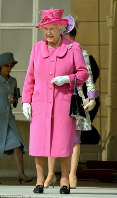 The Queen is perfect in pink