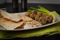 http://www.cookwithlove.cz/2014/02/cizrnovy-falafel-s-tahini-dipem.html