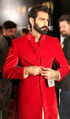 Pakistan Fashion | high fashion pakistan: Model Hasnain Lehri backstage.