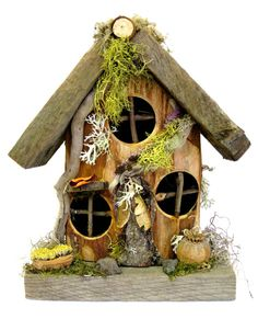 So cute, this would be cute tucked into a fern or woodland landscape.  Flat-Backed Gnome Home ~ Small