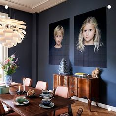 dark blue walls I sötétkék falak Green Leaf Wallpaper, Tv Furniture, Bright Homes, Dining Nook, Inspiration Wall, Cool Beds, Apartment Interior, Interior Doors, Interior Paint