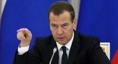 #DÜNYA Rusya Başbakan'ı Medvedev'den bakana sert uyarı: Rusya Başbakanı Dmitry Medvedev, toplantıya geç kalan bakanı sert bir şekilde…