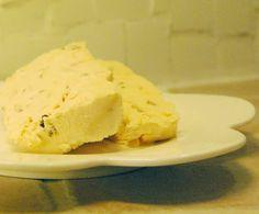"По мотивам рецепта семифреддо из Le Gordon Bleu ""Complete Cooking Techniques"", p. 287. Для текущего раунда в любимом сообществе gotovim_vmeste . Взяла: 2 горсть абрикос 3 стол лож ликёра 1 дл…"