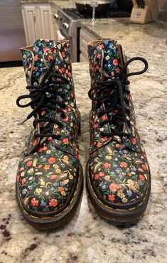 Dr Martens Floral Boots, Doc Martens, Vintage Floral, Combat Boots, Comfy, Awesome, How To Wear, Clothes, Shoes