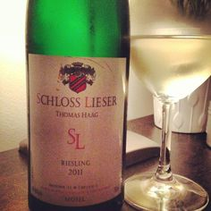 Schloss Lieser Mosel Riesling...an absolutely deeelightful wine! For just over $20, I'm all in. Crunchy Asian pear & luscious honied peaches, this wine is a lovely example of Mosel Riesling. Fresh acidity paired to a bushel of ripe stone fruit, more please...