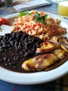 Great food in Guatemala Honduran Recipes, Mexican Food Recipes, Ethnic Recipes, Guatemalan Recipes, Latin American Food, Latin Food, Comida Latina, Cooking Recipes, Healthy Recipes