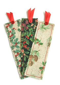 Fabric Bookmarks Book Mark Set Christmas by QuiltyPleasuresCraft Quilted Christmas Ornaments, Christmas Sewing, Christmas Books, Christmas Crafts, Scrap Fabric Projects, Fabric Crafts, Sewing Crafts, Sewing Projects, Heart Bookmark