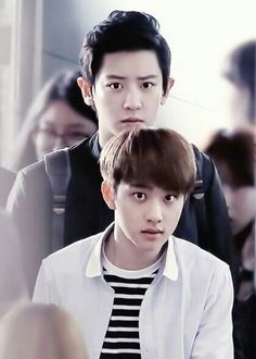 Ok.. Chanyeol is ridiculously tall next to D.O kkkkkk AHAHHA D.O MY LOVE YOU LOOK SO CUTE AND CHANYEOL WHAT A SERIOUS FACE