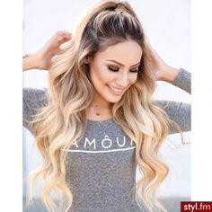 Fryzury  Blond włosy: Fryzury Długie Na co dzień Kręcone Upięcie Blond... ❤ liked on Polyvore featuring hair