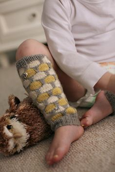 honeycomb pattern knit leg warmers
