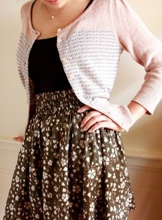 Flirting the Issue Skirt - free skirt pattern by Anna Maria Horner Diy Clothing, Sewing Clothes, Clothing Patterns, Dress Patterns, Sewing Patterns, Coat Patterns, Barbie Clothes, Diy Couture Jupe, Diy Vetement