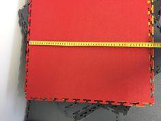 Die PVC Platten abmessen und dann einfach mit einer Tischkreissäge zuschneiden. Garage Boden, Simple