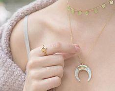 Collar Luna Blanca, Colgante Luna de Oro, Collar Media Luna, Collar Cuerno Perla, Colgante Luna Creciente, Collar Color Blanco