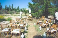 """Die erste """"nach Corona"""" Hochzeit 2021 war ein Traum. Ein unglaublicher Traum, denn für uns alle ging dieser in Erfüllung.Und es scheint als ob noch mehr Paare dieses Jahr kommen, heiraten, feiern, Wein trinken, tanzen und glücklich sind. Genauso wie wir.Danke!Fotos @blowupphotoBlumen @graciaylapencaMakeup @nataliacabreraclemente#destinationwedding #spanien #hochzeitsinspiration #hochzeit2021 Wedding Ceremony Decorations, Table Decorations, Mediterranean Wedding, Outdoor Furniture Sets, Outdoor Decor, Wedding Designs, Corona, Pictures, Drink Wine"""