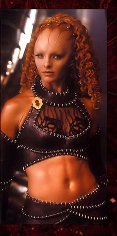 Tammy McIntosh ~ Jool of FarScape Best Sci Fi Shows, Great Tv Shows, The Musketeers Tv Series, Alien Photos, Claudia Black, Fantastic Voyage, Alien Girl, Futuristic Motorcycle, Movies
