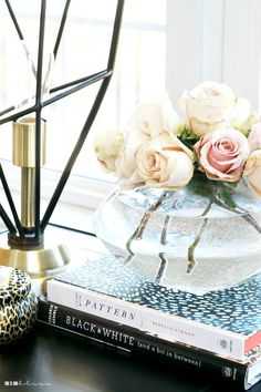 26 Spring Home Decor Everyone Should Try This Year - Interior Design Fans Spring Home Decor, Easy Home Decor, Home Decor Trends, Home Decor Styles, Cheap Home Decor, Interior Decorating Styles, New Interior Design, Decorating Rooms, Room Interior