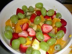 30 Day Raw Food Diet -seems extreme for me but I do like the looks of her fruit salads