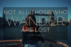 歩き回っている人がみんな迷っているとは限らない。「J・R・R・Tolkien(J・R・R・トールキン)」(『指輪物語』著者)