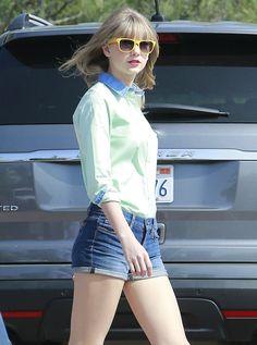 Taylor Swift Photo - Taylor Swift Shoots New Music Video