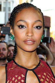 Met Gala 2015 Hairstyles & Makeup: Jourdan Dunn  #hair #makeup #MetGala2015 #MetBall2015