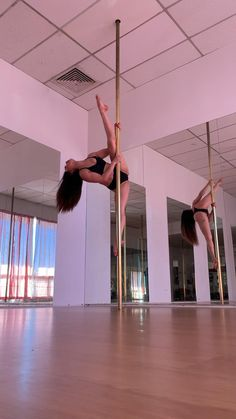 Summer Body Workouts, Best Ab Workout, Gym Workout For Beginners, Workout Videos, Pole Workout, Pole Fitness Moves, Pole Moves, Pole Dancing Fitness, Pole Classes